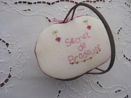 Panier_secret_de_brodeuse_1
