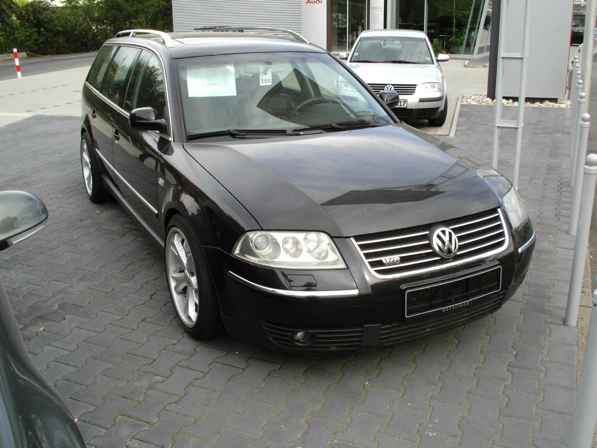volkswagen passat w8 2001 2004 zoom auto blog. Black Bedroom Furniture Sets. Home Design Ideas