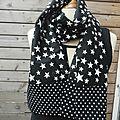 Indémodable noir et blanc - toujours chic et contemporain - foulard cheche snood ceinture obi...