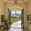 Les lustres baroques sont toujours un rayon de soleil dans la maison...