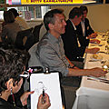 Repas d'association, caricaturiste en close-up