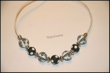 collier_boules_feuillages_NetB_v2