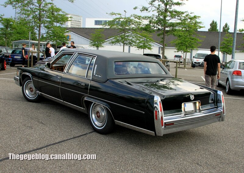 Cadillac fleetwood brougham 4door sedan (Rencard Burger King juin 2013) 02