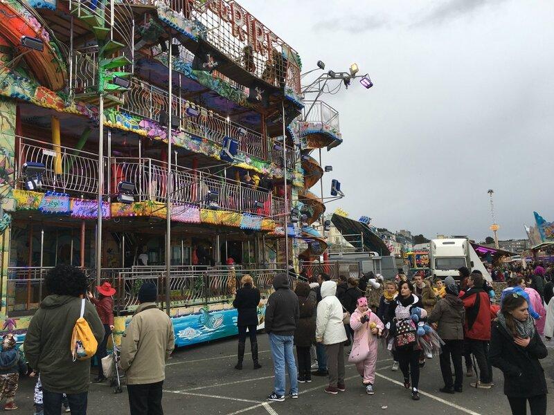 Carnaval de Granville la Grande Cavalcade dimanche 7 février 2016 fête foraine manège place Fontaine Bedeau