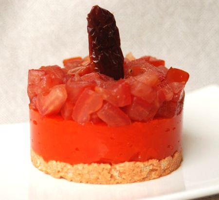 Entremet_tomates_poivrons_sur_biscuit_Tuc_tomat__002