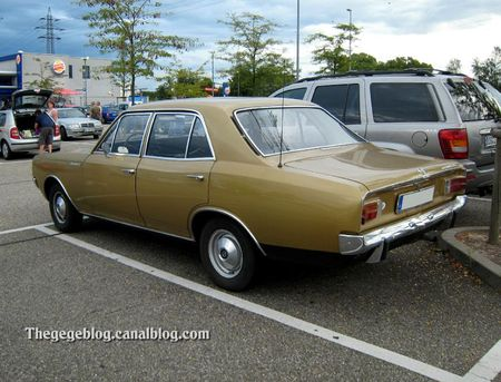Opel rekord type C 1900 I automatic de 1970 (Rencard burger King aout 2011) 02