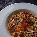 Bouillon de crevettes et pâtes chinoises
