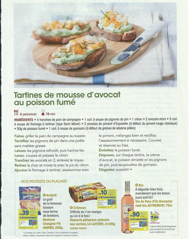Tartines de mousse d'avocat au poisson fumé