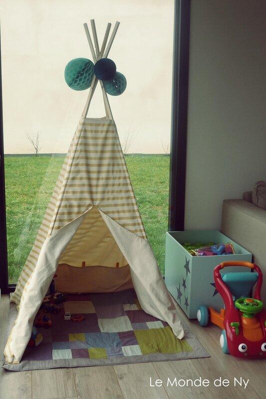 hugh le monde de ny. Black Bedroom Furniture Sets. Home Design Ideas