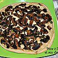 Pizza à l'artichaut et aux champignons