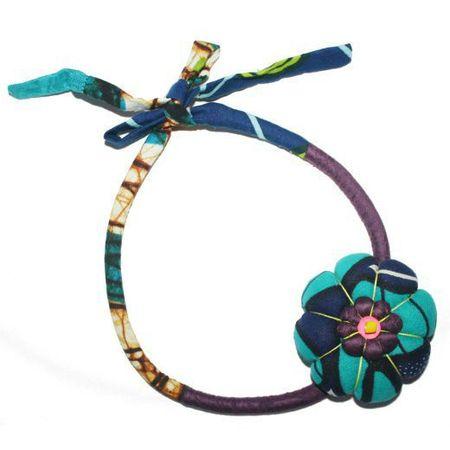 zoom-286630-toubab-paris-collier-en-tissu-fantaisie-fleur-violet-bleu-petite-mademoiselle-noue