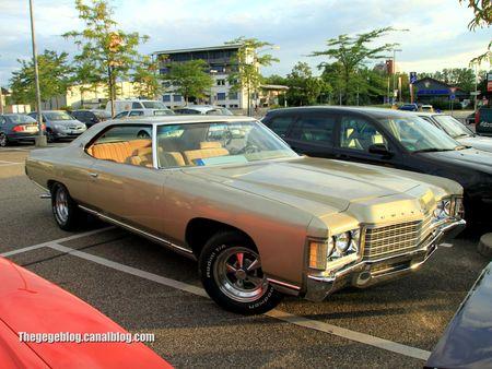 Chevrolet impala 2 doors coupé de 1971 (Rencard Burger King juillet 2012) 01