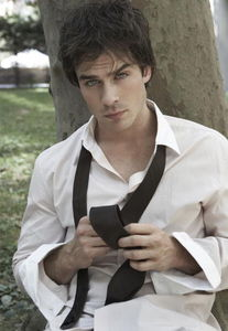 Photo_Shoots_and_Modelling_ian_somerhalder_22331992_410_594