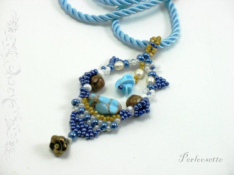 pendentif bleu 3