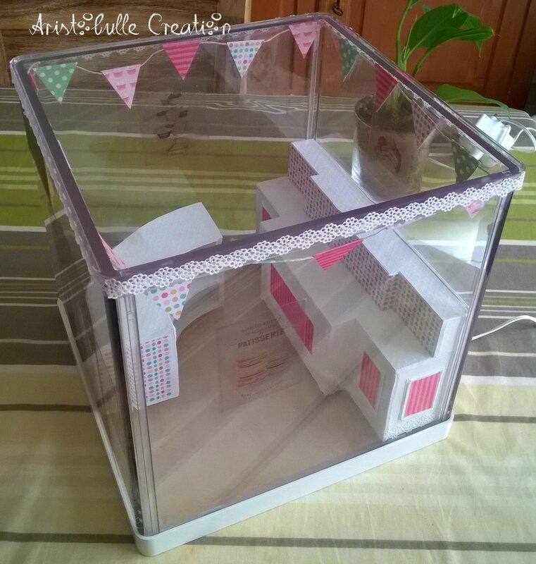 Mini vitrine pâtisserie - profil droit