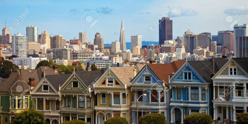14565168-The-Painted-Ladies-at-Alamo-Square-in-San-Francisco-Stock-Photo