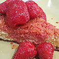 Gâteau breton au beurre salé et aux fraises