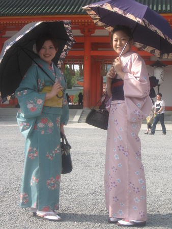 japonaises_en_costumes_traditionnels