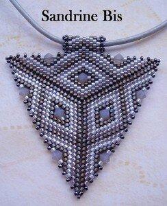 Triangle_gris___pendentif