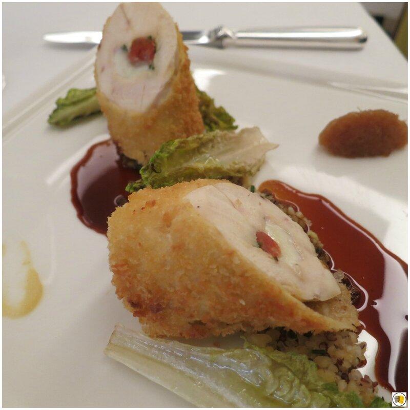 Suprême de poulet fermier roulé au romarin, condiment de citron jaune et quinoa (2)