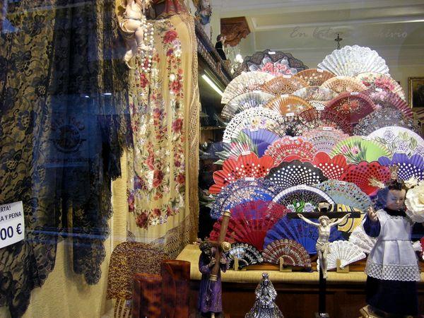 Seville eventails mantilles peigne