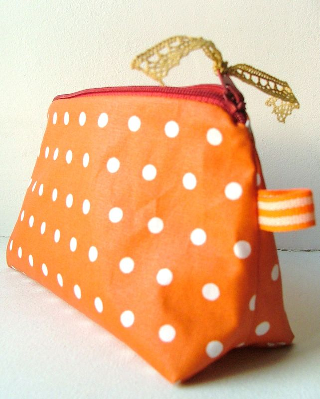 trousse orange  pois