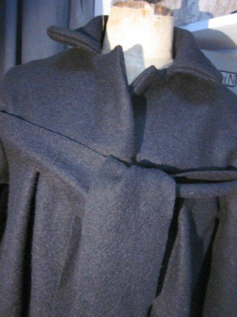 Un nouveau manteau AGLAE en laine bouillie noire.... Superbe !!!