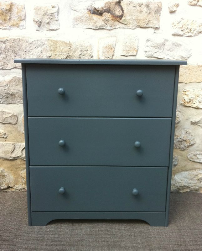 Commode 3 tiroirs repeinte en gris atelier darblay le - Peindre meuble en pin ...