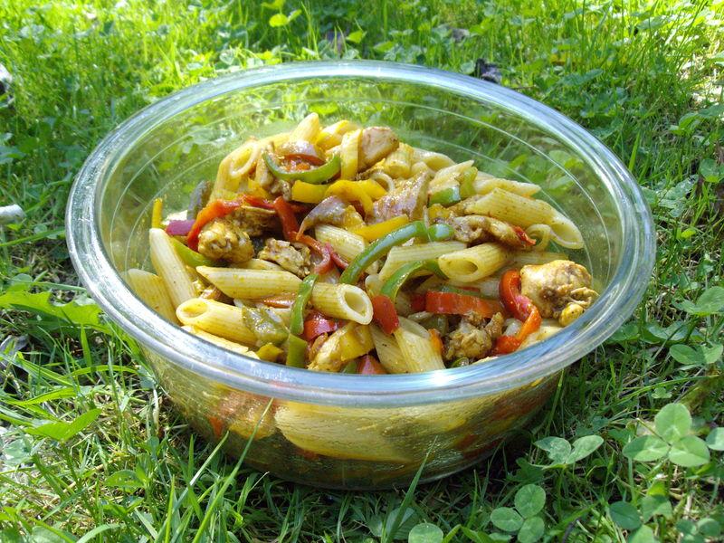 salade de p 226 tes poulet poivrons avocat curry quand est ce qu on mange