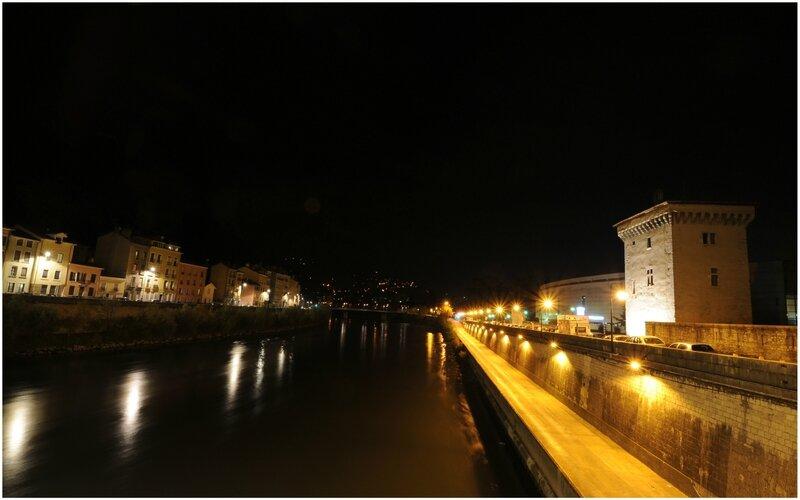 Grenoble de nuit - 09