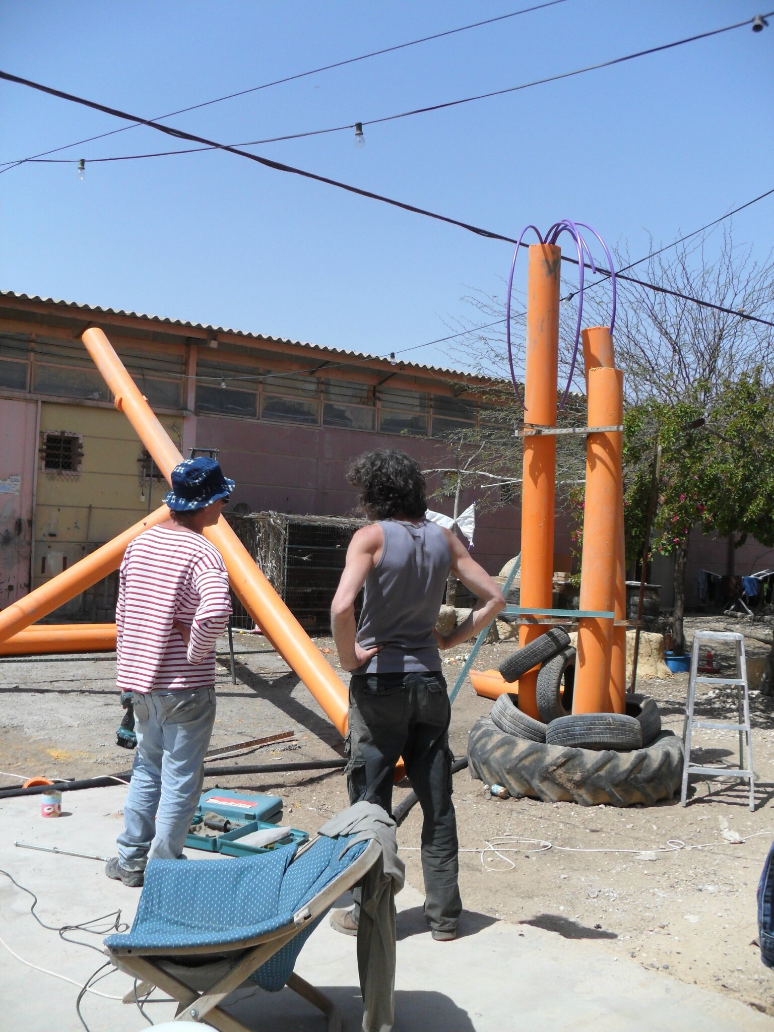 LES INSTALLATIONS PRENNENT FORME
