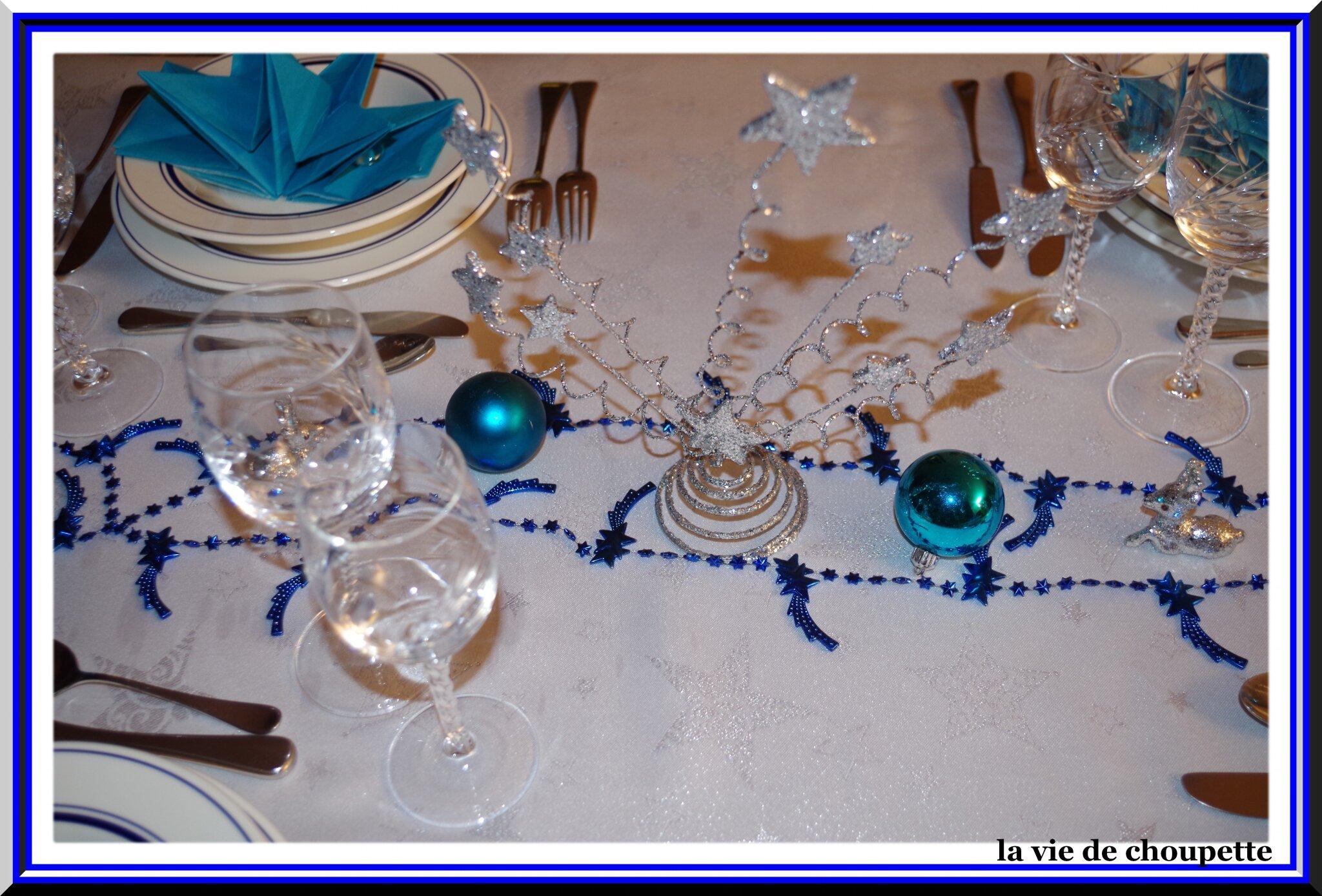 Meilleur 6543 d coration table de noel bleu et argent for Deco table noel bleu argent