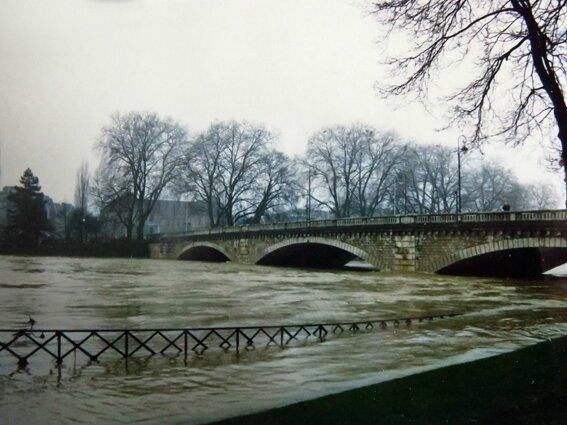 inondations pont republique 02 1990 (2)