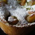 Une tarte pamplemousse-poire à la crème de pistache