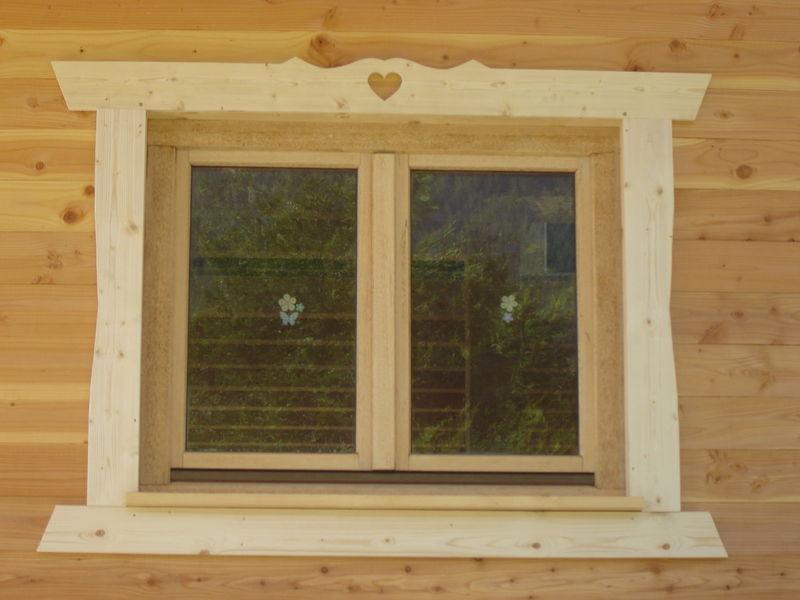 Dsc03990 photo de cr ation bois bois et montagne for Deco contour fenetre interieur