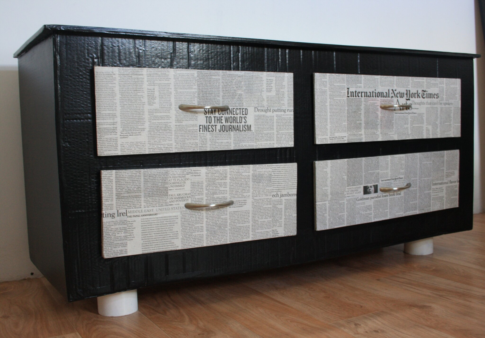 New york times bricol 39 et gourmandises - Meuble papier journal ...