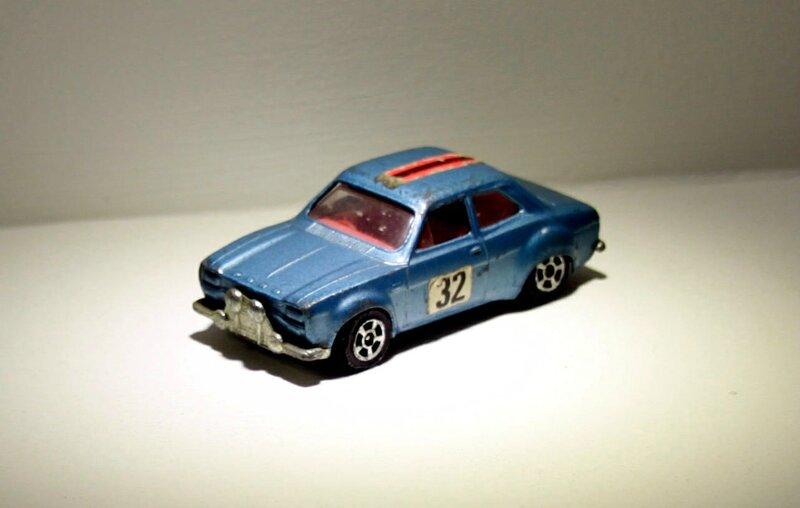 Ford escort (Corgi) 01