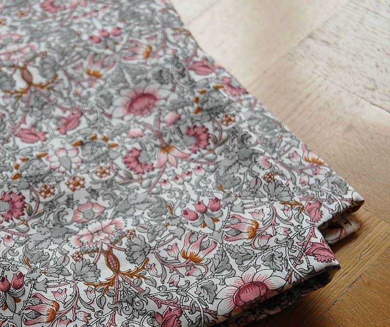 liberty fleurs vintage rose gris 2