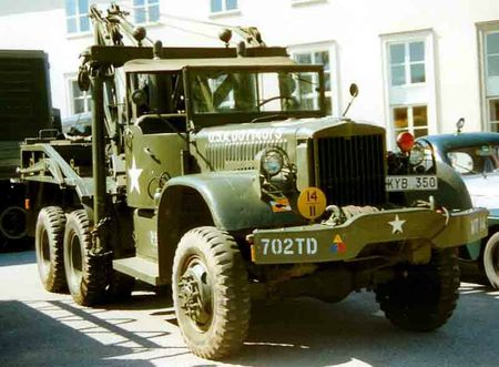 Diamond_T_969A_Wrecker_1943