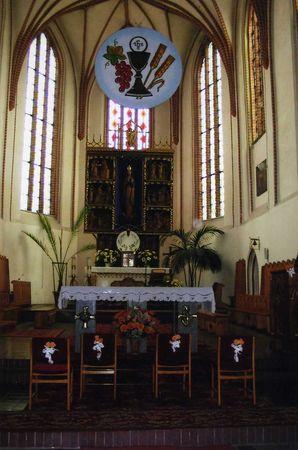 Kirche_Innenansicht_05_2003