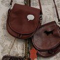 petit sac besace cuir + broche plexi