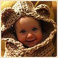 Capuchon au crochet pour petite ourse