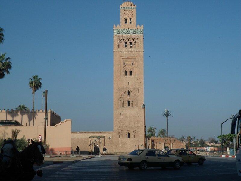 La grande mosquée de la place JEMAA EL FNA à Marrakech