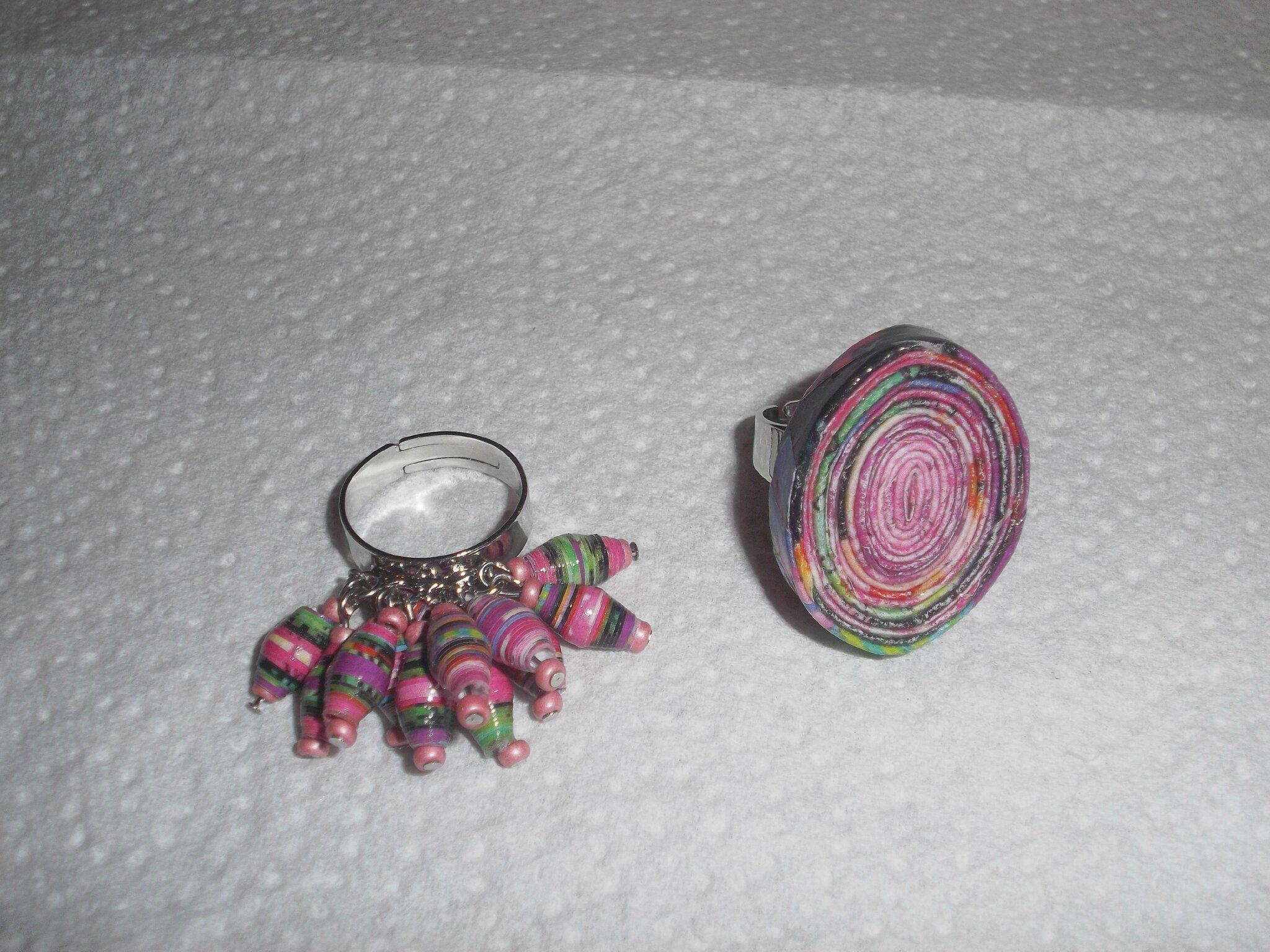 Très Nouvelles bagues en papier, un collier en perles de papier, et Bo  EV86