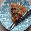 Gâteau de polenta à la tomate et aux champignons grillés