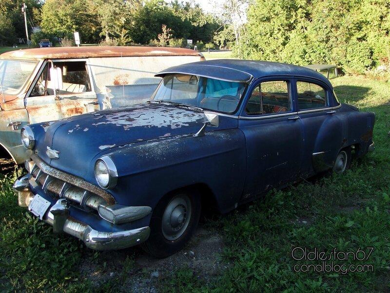 chevrolet-special-150-sedan-1954-01