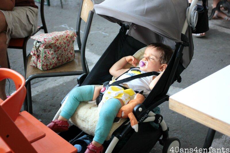 la poussette yoyo plus de chez babyzen une des meilleures poussettes d s la naissance et jusqu. Black Bedroom Furniture Sets. Home Design Ideas