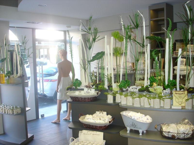 Boutique esprit d 39 o 12 rue victor hugo 42350 la for Boutique salle de bain