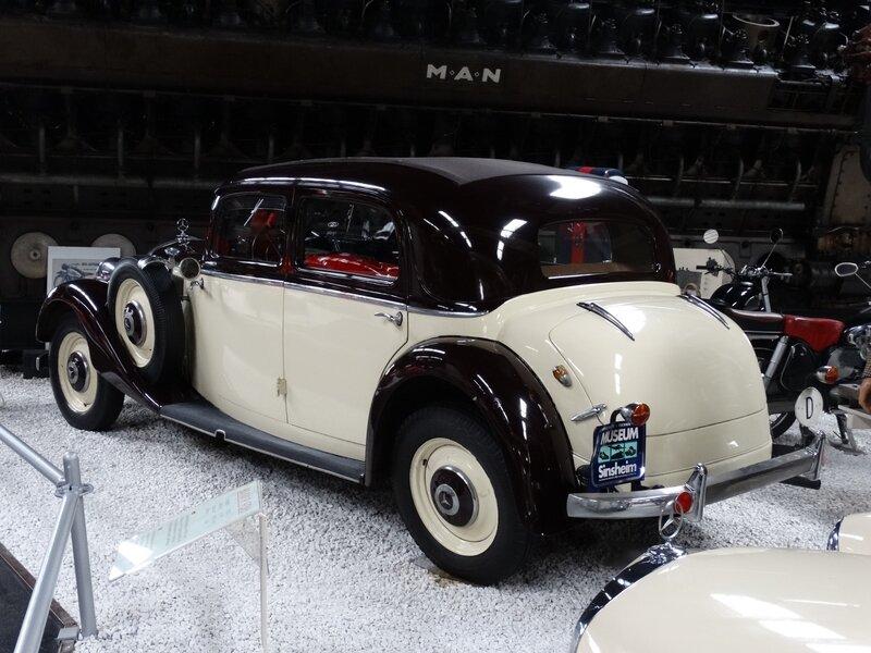 MERCEDES 230 W153 berline 4 portes découvrable 1938 Sinsheim (2)