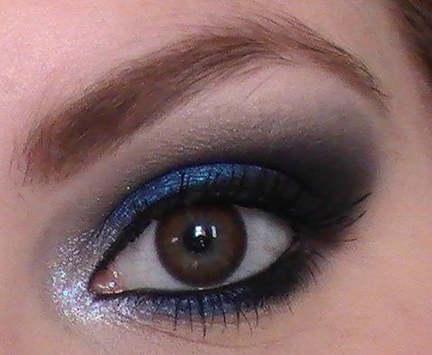 Maquillage yeux marrons professionnel - Make up yeux bleu ...